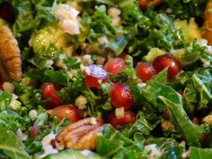 Boerenkool salade met granaatappel en pecannoten 2